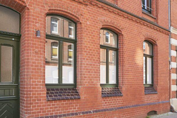 Holzfenster die nach der Sanierung wie neu aussehen